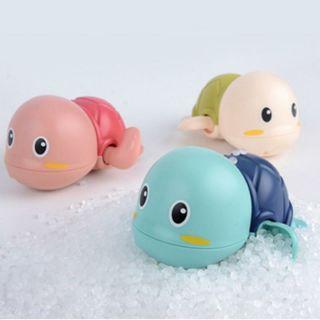Yêu Thích(SET 3C )Đồ chơi nhà tắm cho bé - Rùa bơi vặn cót giúp bé vui vẻ hào hứng khi tắm