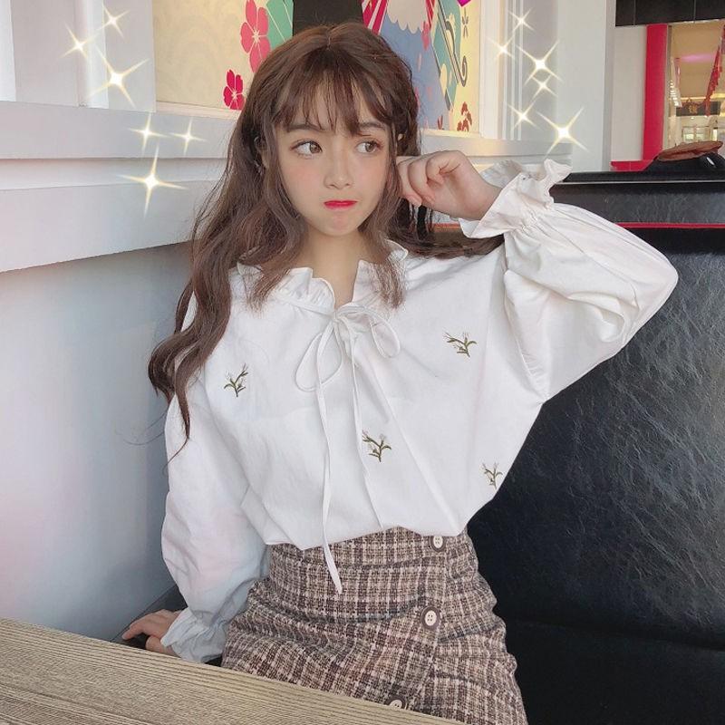เสื้อตุ๊กตาพัฟพัฟเสื้อเชิ้ตแขนเสื้อผู้หญิงออกแบบความรู้สึกเฉพาะเสื้อเกาหลีป่าเอวบัตรเสื้อเล็ก ๆ ย่อหน้าสั้น ๆ
