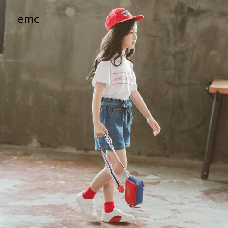 Bộ áo thun cổ tròn tay ngắn và quần short Jean thắt nơ cực đáng yêu dành cho bé gái từ 3-14 tuổi - 21857557 , 2200385559 , 322_2200385559 , 321412 , Bo-ao-thun-co-tron-tay-ngan-va-quan-short-Jean-that-no-cuc-dang-yeu-danh-cho-be-gai-tu-3-14-tuoi-322_2200385559 , shopee.vn , Bộ áo thun cổ tròn tay ngắn và quần short Jean thắt nơ cực đáng yêu dành c