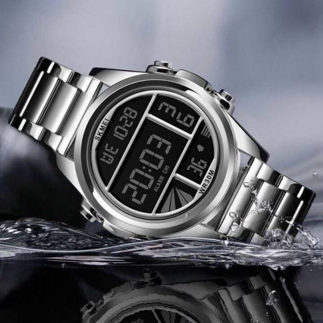นาฬิกาข้อมือสำหรับผู้ชาย