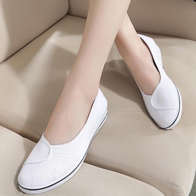 giày viền đen