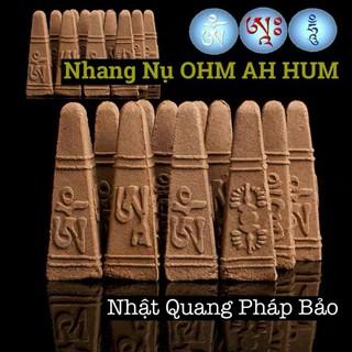 Trầm Nụ In Chùy Kim Cang Chữ Ohm A Hum