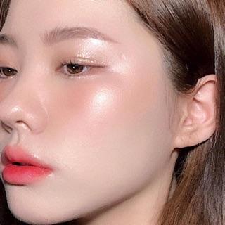 Phấn má hồng tạo điểm nhấn Cover girl