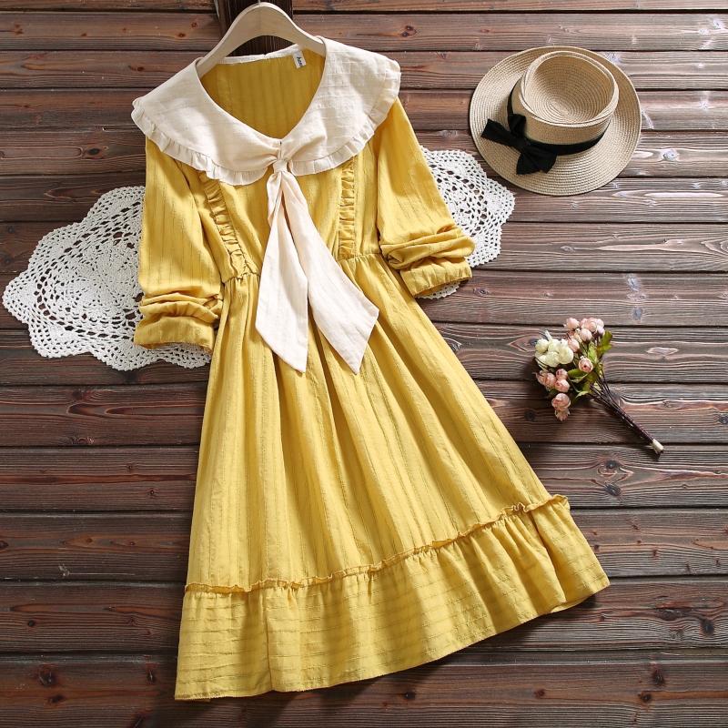 Đầm chữ A cổ búp bê tay dài phong cách Hàn Quốc