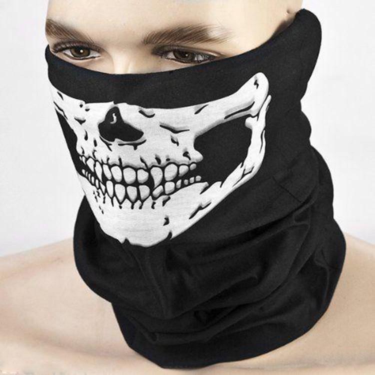 Khẩu trang chống bụi phủ kín mặt khi đi xe máy