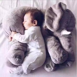Voi ôm cho bé ngủ ngon