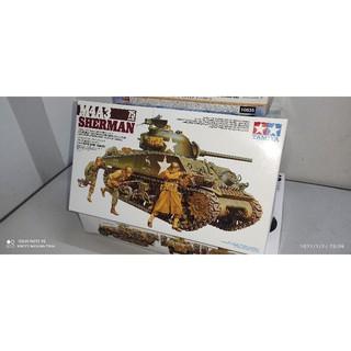 """Mô hình lắp ráp """"M4A3 Sherman"""""""
