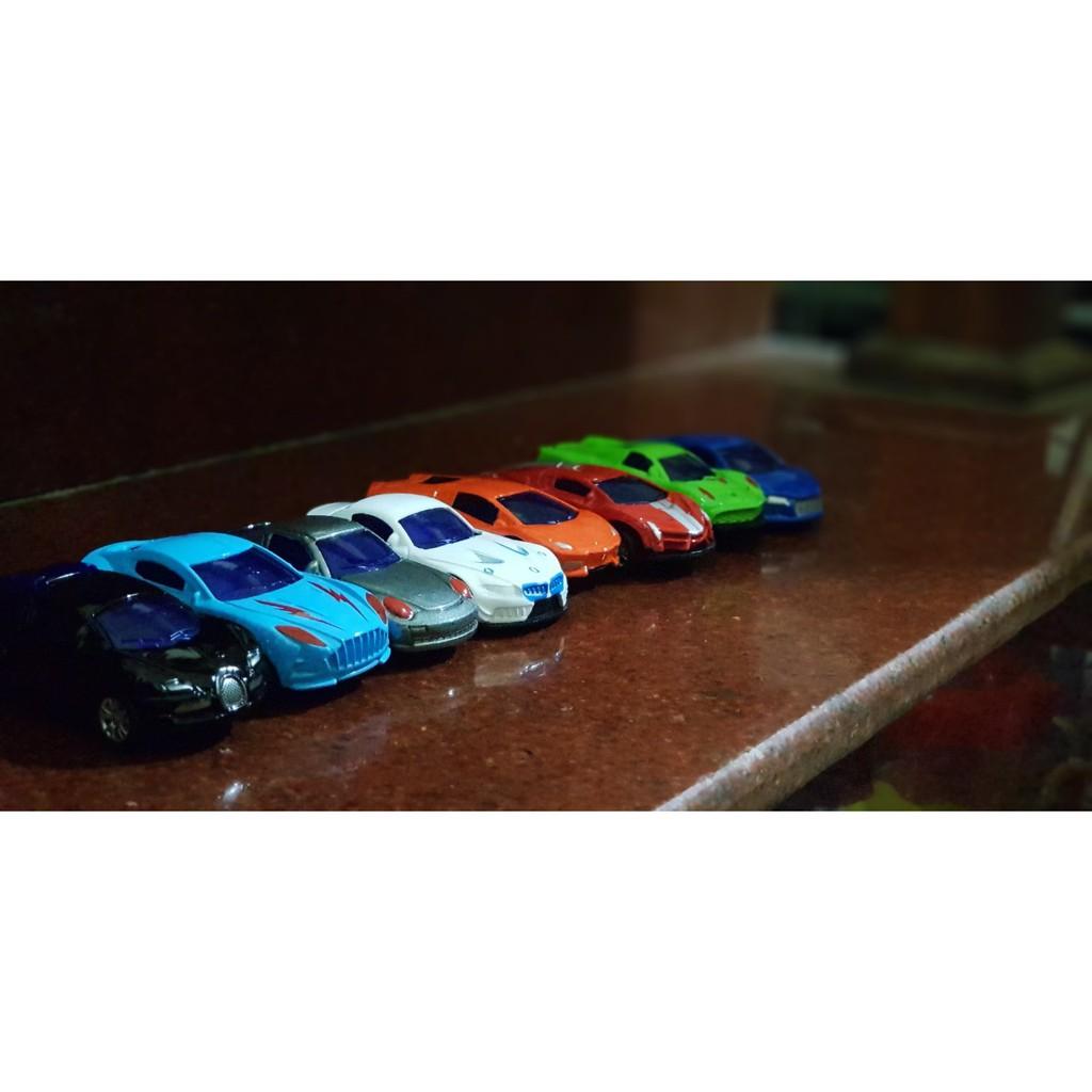 Bộ 8 xe ô tô đồ chơi chạy cót