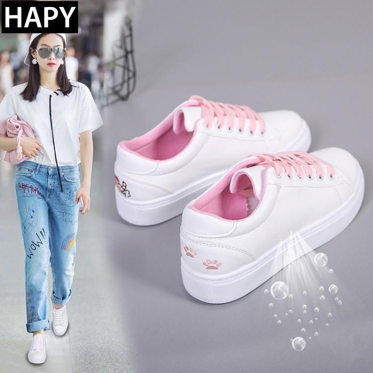 Giày sneaker nữ thêu mèo GTT32 trắng hồng.