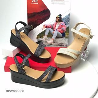 Sandal nữ BlTIS ❤️FREESHIP❤️ Dép quai hậu nữ kim tuyến đế xuồng cao 5.5cm DPW068088