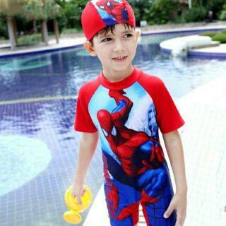 Bộ bơi liền quần bé trai! Size cho bé từ 12kg đến 32kg. Bộ thích hợp cho bé khi bơi nhiều vì bộ giữ được thân nhiệt tốt.