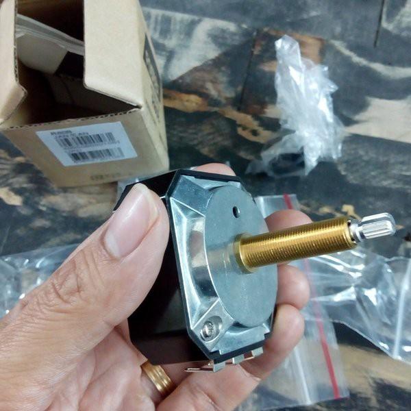 Biến trở/Chiết áp 8 OHM 100W (L-pad) Fostex R80B