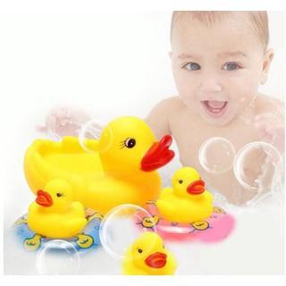 Đàn vịt thả bồn tắm cho bé 1 vịt mẹ và 3 con nhỏ