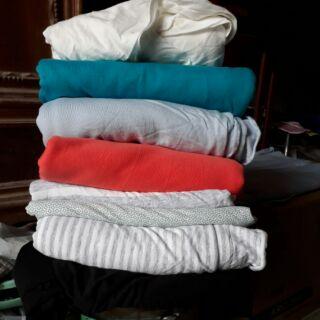 Vải cotton Thái Lan thanh lý giá rẻ bèo cho các mẹ thoải mái may cho gia đình ạ Chất rất mát mà lại thấm hút mồ hôi ạ thumbnail