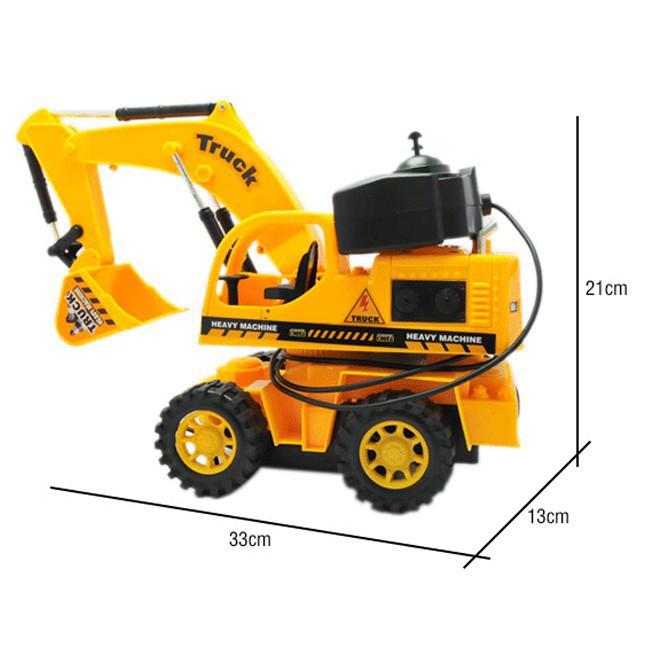Transformer robot cấp cao biến đổi thành xe và người máy có dụng cụ điều khiển