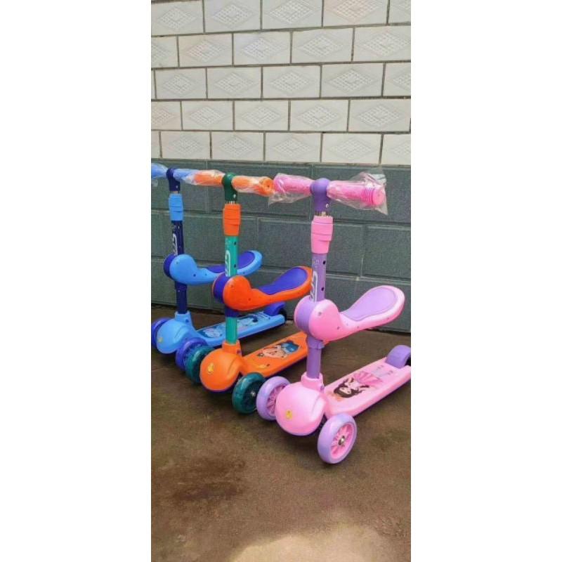 [XẢ KHO GIÁ GỐC] xe trượt Scooter đa năng 2in1 có ghế ngồi phát nhạc và đèn cho bé