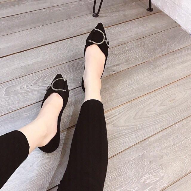 Giày búp bê mũi nhọn!