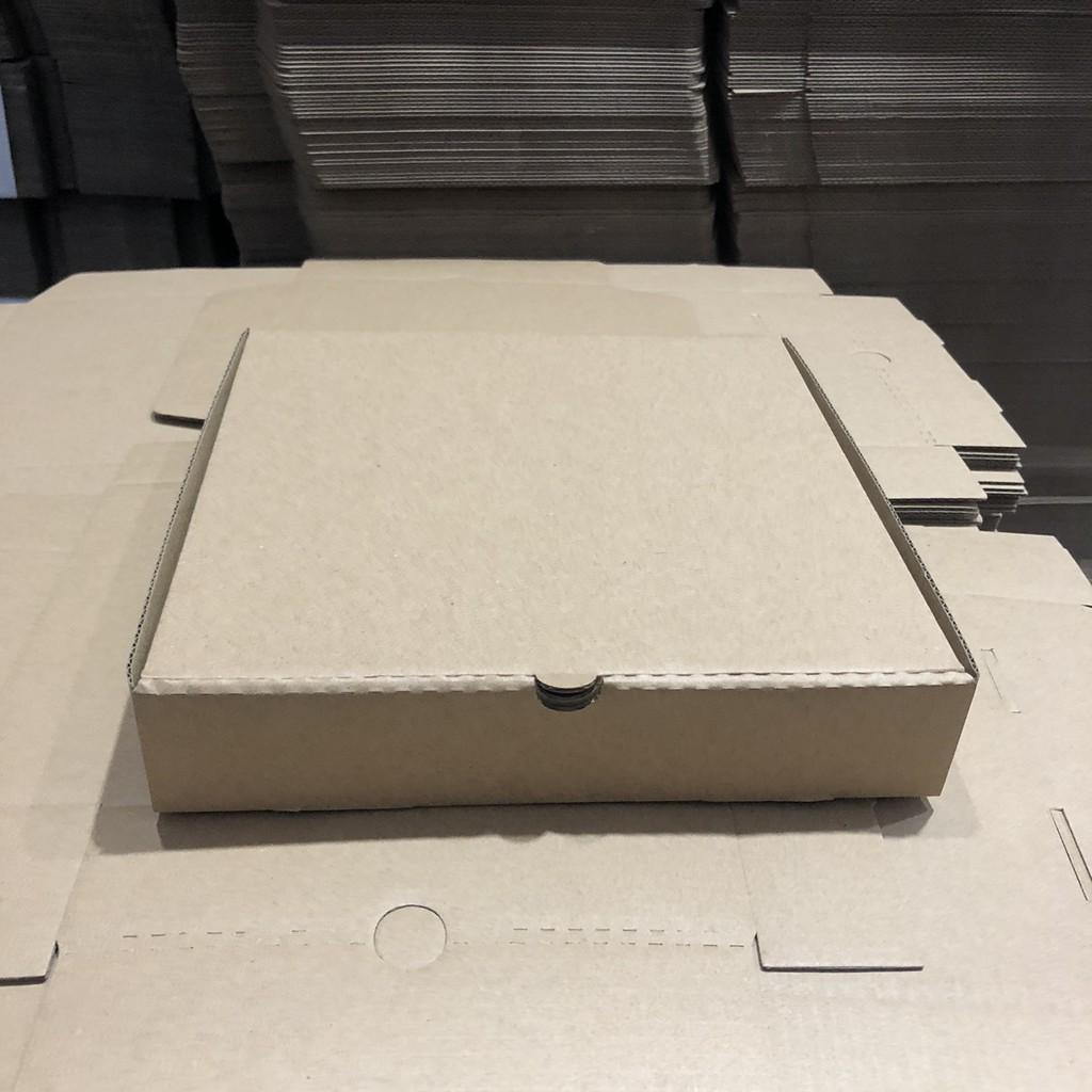 Hộp đựng bánh pizza size 18x18x4cm màu nâu