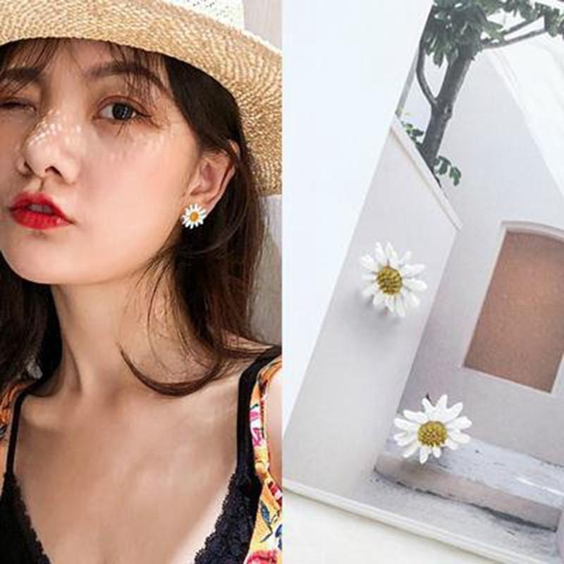Khuyên tai hình hoa phong cách Hàn Quốc dành cho nữ