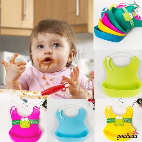 Yếm ăn silicon chống thấm in hình dễ thương cho bé