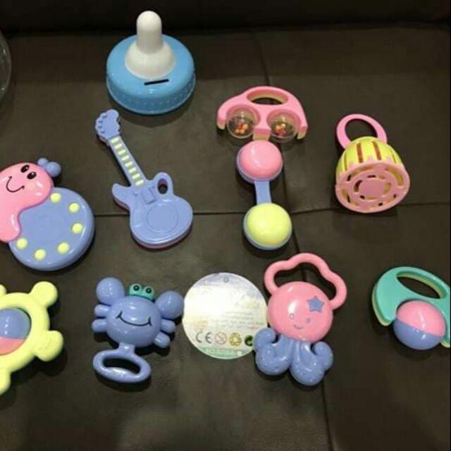 Đồ chơi bình ti xúc xắc baby toy 9 món cho bé