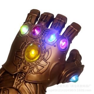 Găng tay đèn LED hóa trang nhân vật thanos trong phim Avengers
