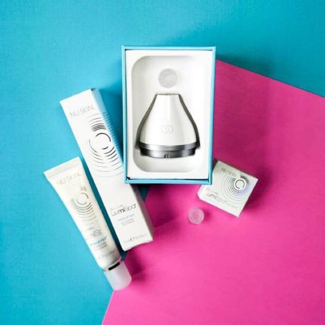 Bộ sản phẩm chăm sóc dành riêng cho vùng mắt ageLOC LumiSpa & IdealEyes
