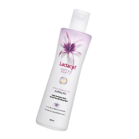 Dung Dịch Vệ Sinh Phụ Nữ Lactacyd Soft & Silky 250ml