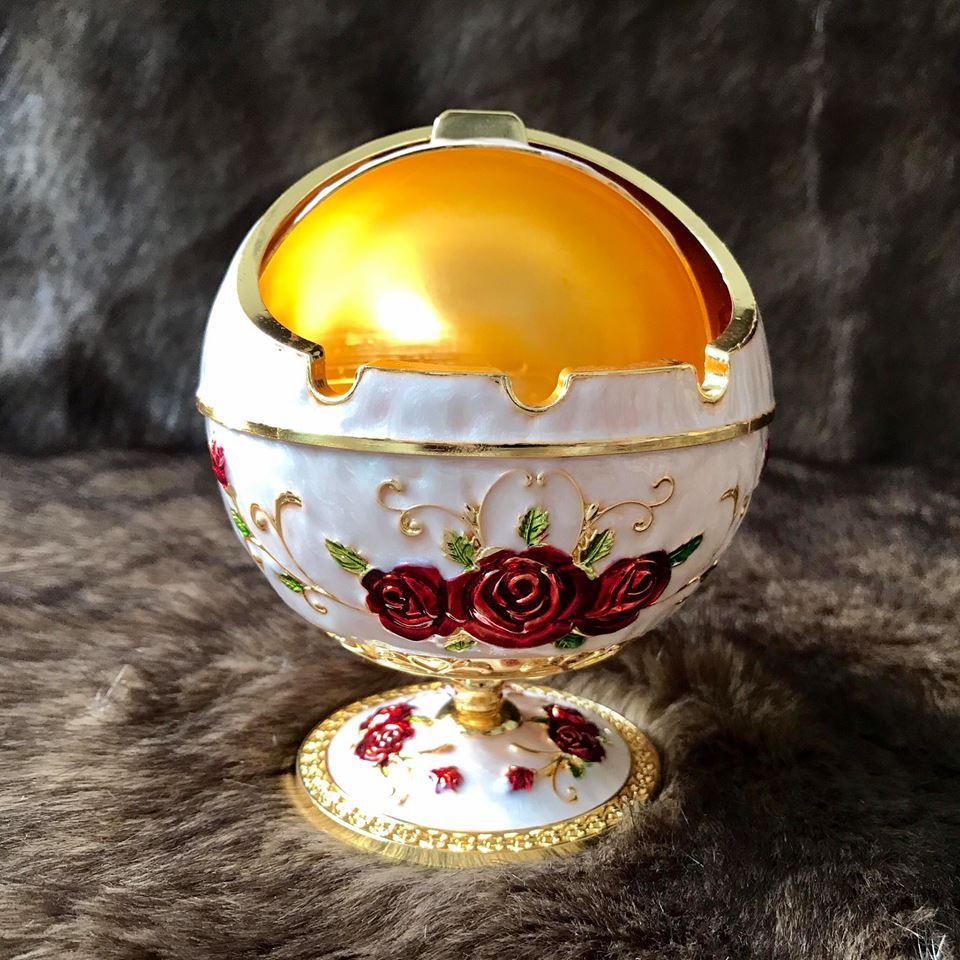 Gạt tàn thuốc Mạ vàng bông đỏ hoàng gia Thái Lan chân cao