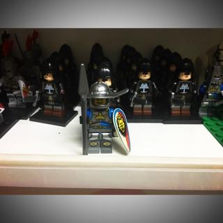 Lego Minifigures Hiệp sỹ Trung Cổ Dòng Lion A