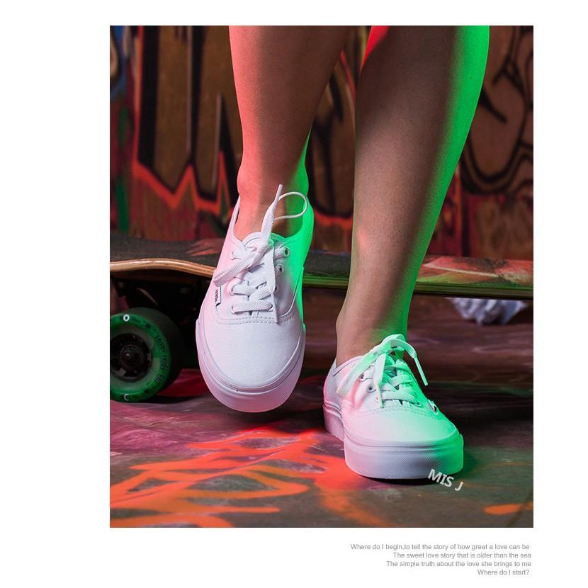 Giày Thể Thao Vải Canvas Cổ Thấp Thiết Kế Năng Động Hợp Thời Trang Cho Nam Và Nữ