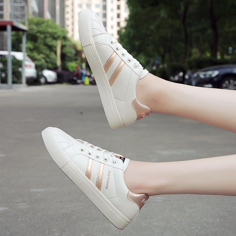 Giày Thể Thao Trắng Mũi Vỏ Sò Thiết Kế Thoáng Khí Cho Nữ