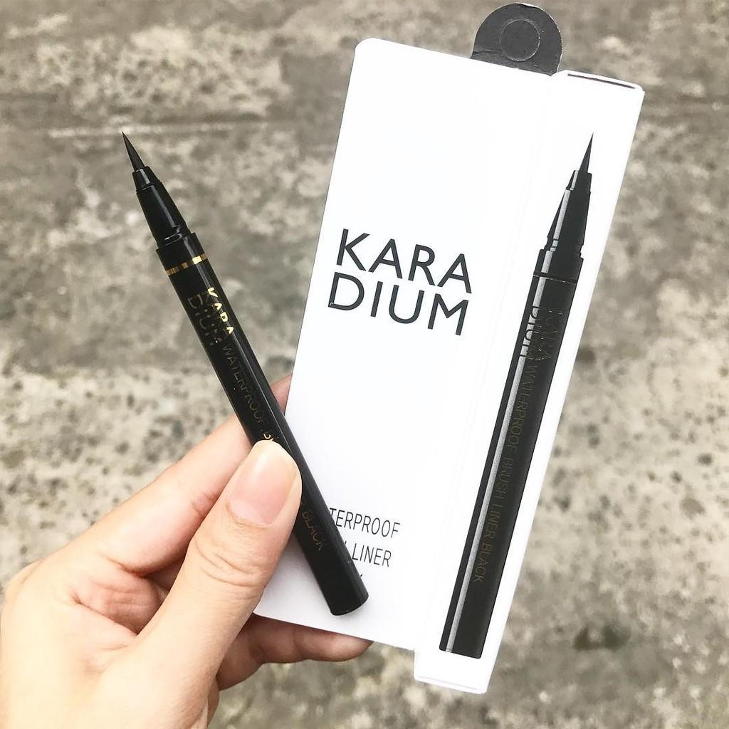 Bút Dạ Kẻ Mắt Chống Thấm Nước - Karadium Waterproof Brush Liner Black - 2430860 , 278641432 , 322_278641432 , 150000 , But-Da-Ke-Mat-Chong-Tham-Nuoc-Karadium-Waterproof-Brush-Liner-Black-322_278641432 , shopee.vn , Bút Dạ Kẻ Mắt Chống Thấm Nước - Karadium Waterproof Brush Liner Black