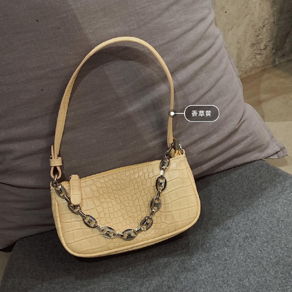 Túi đeo chéo hình vuông phối dây xích phong cách Hàn Quốc thời trang