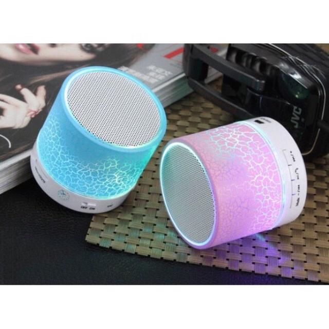 Loa bluetooth mini đèn led đổi màu âm thanh chuẩn , giá rẻ - 2599405 , 36193086 , 322_36193086 , 99000 , Loa-bluetooth-mini-den-led-doi-mau-am-thanh-chuan-gia-re-322_36193086 , shopee.vn , Loa bluetooth mini đèn led đổi màu âm thanh chuẩn , giá rẻ