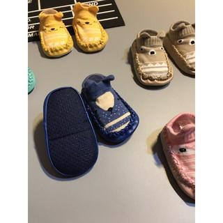 Giày, vớ Tập Đi Có Chống Trượt Cho Bé hàng loại 1 thumbnail