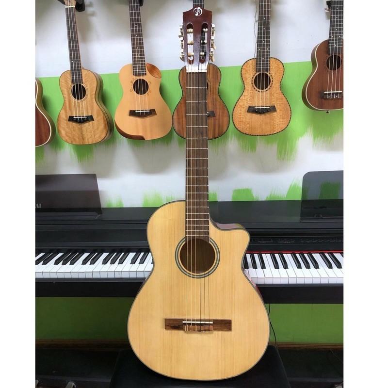Đàn Guitar Classic cổ điển VP SVC+ mặt gỗ thông đảm bảo chất lượng có ty chỉnh cần đàn, giá rẻ cho người mới bắt đầu