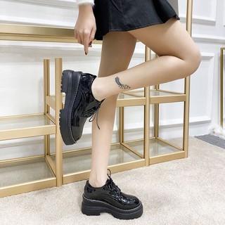 Giày bốt cổ thấp da bóng