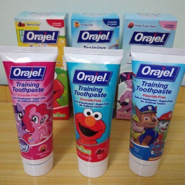Kem đánh răng nuốt được Orajel cho bé từ 3 tháng