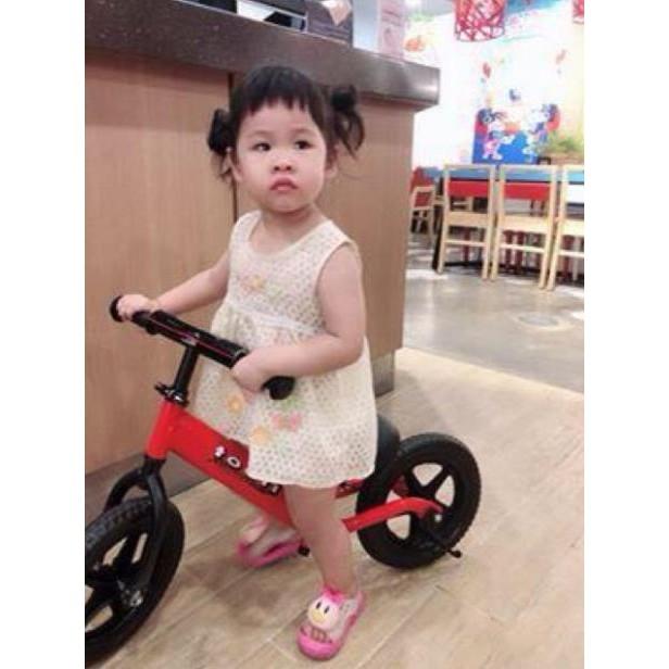 [TẶNG MŨ BẢO HIỂM ] Xe chòi chân thăng bằng TOOTI PRO 2021 bảo hành 12 tháng ( cho bé từ 18 tháng trở lên)