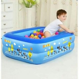 Bể bơi cho bé xả hàng