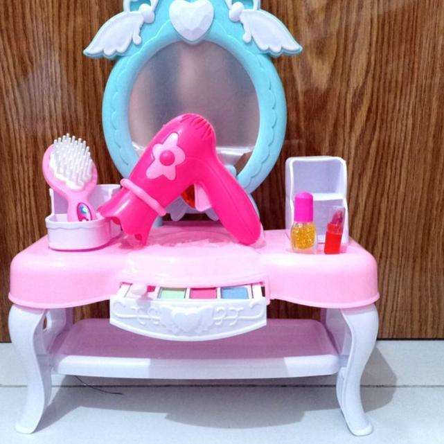 Bộ Đồ Chơi Trang Điểm Hello Kitty Cho Bé
