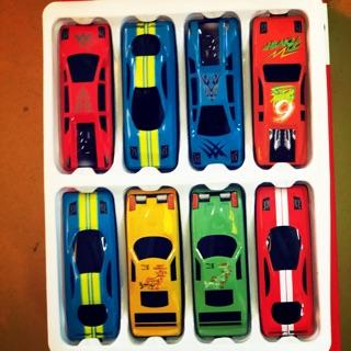 Hộp 8 xe ô tô Ms 0030101