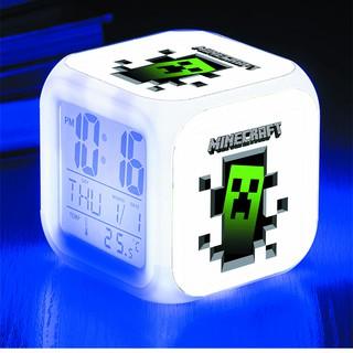 Đồng hồ báo thức để bàn in hình Game Minecraft anime chibi LED đổi màu