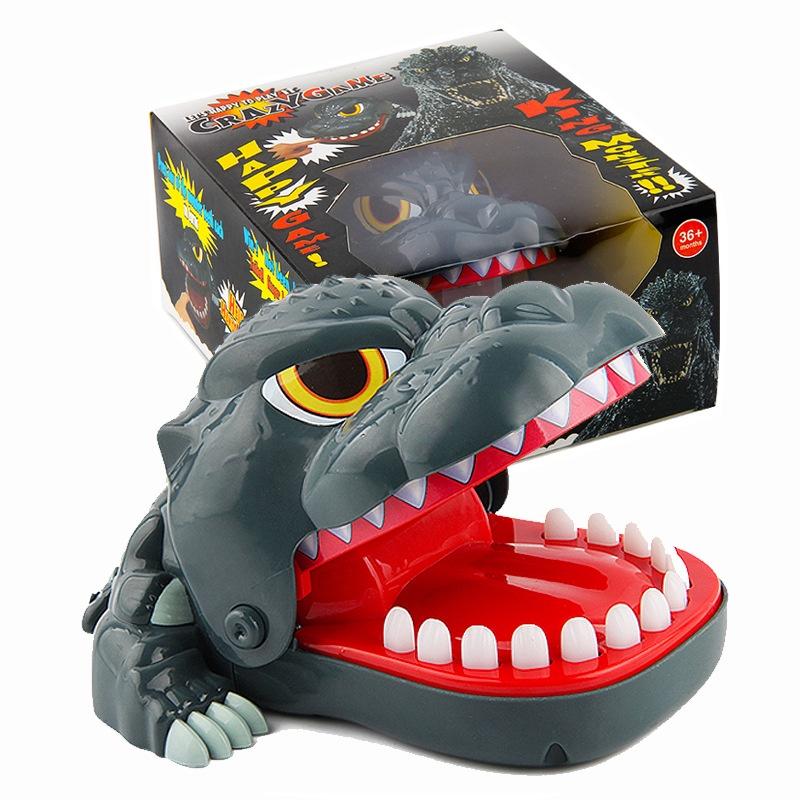 Trò chơi khám răng cá sấu, cá sấu cắn tay vui nhộn cho bé