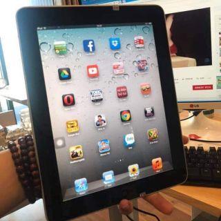 iPad 1 mới 95% (tặng cáp sạc)