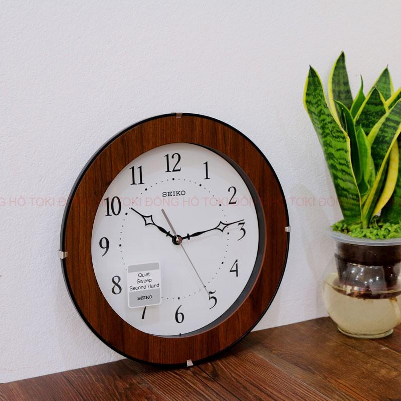 Đồng hồ treo tường cao cấp SEIKO QXA738Z kim trôi ,vỏ gỗ ( 29.9 CM)