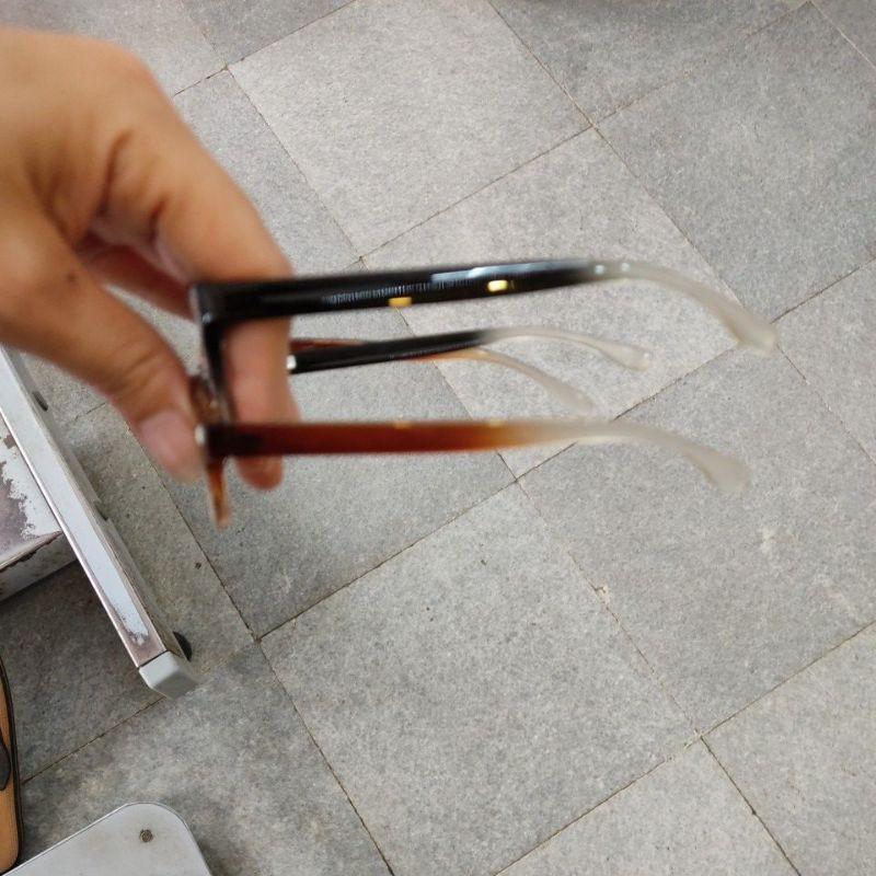kính lão gọng nhựa dáng vuông(tặng vỏ bao kèm khăn)