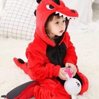 Combo bộ đồ khủng long đỏ kèm dép bé và người lớn