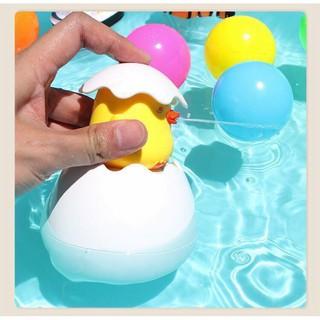 Đồ chơi chú Vịt nở trứng cho bé đi tắm